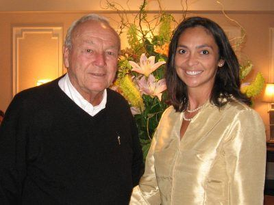 Anita Sayers, Executive Director of Marketing & PR for The Radnor Hotel, welcomes legendary golfer, Arnold Palmer, Wednesday July 1, 2009.