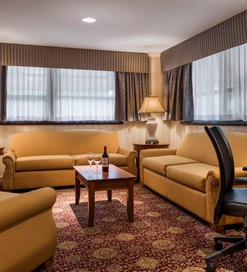 King Suite Living Area at The Radnor Hotel