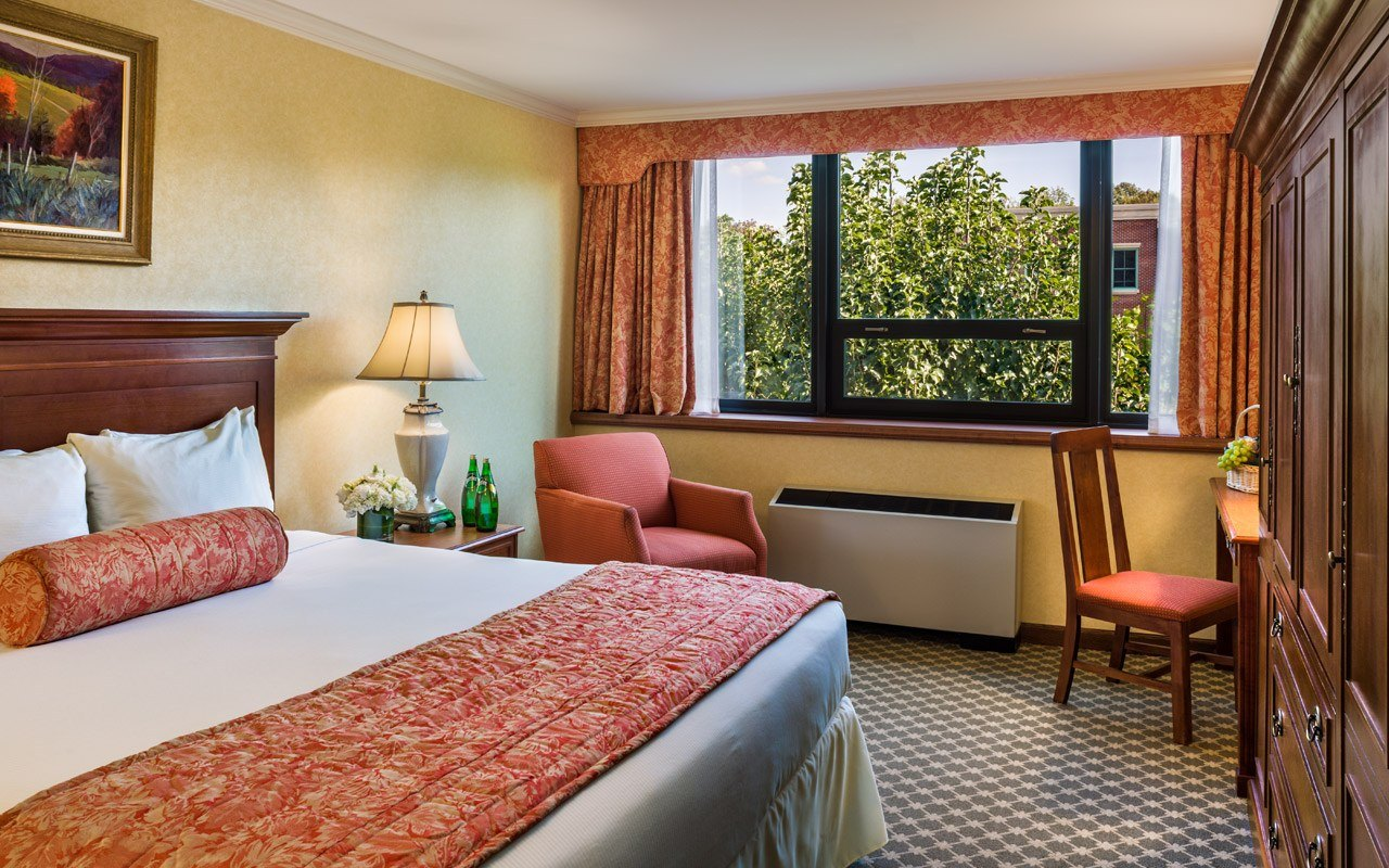 King Guest Room At The Radnor Hotel